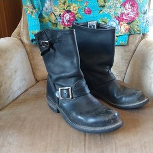 c6b6d7e56fd ... Frye engineer boots black womens size 7 ...